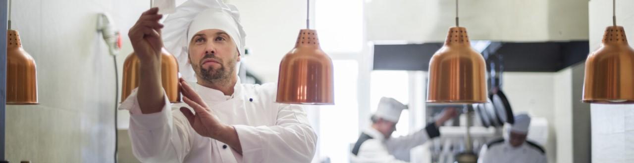 Los gastronómicos adoptan una nueva forma de vender. Las cocinas fantasmas, o dark kitchens, comienzan a ganar terreno en Argentina