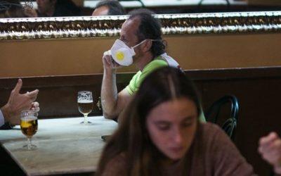 """Bares y restaurantes porteños se plantan: """"La gastronomía no contagia"""""""